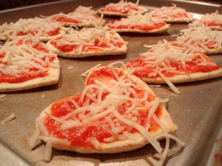 mini flatbread pizzas